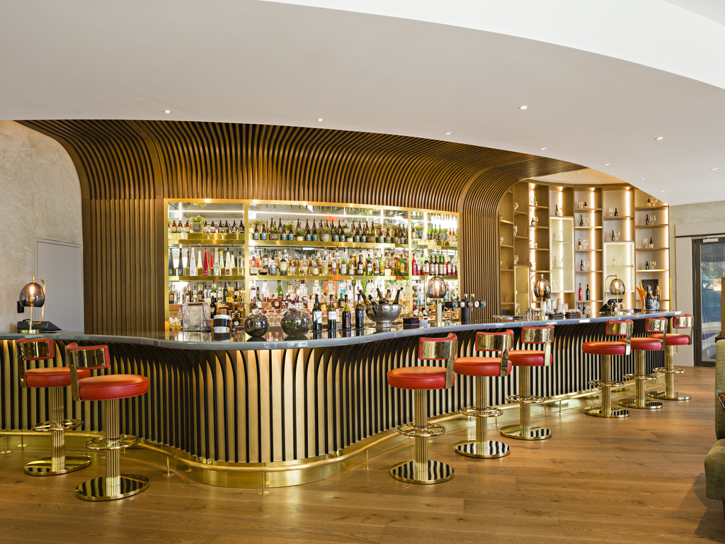Photograph of the Sofitel Hotel Bar in Brussels